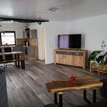 Ferienwohnung Waldblick Wohnzimmer und Küche